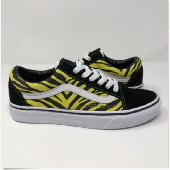 9a6e614a0ed153 Vans Womens 7 Old Skool Zebra Suede Canvas NEW
